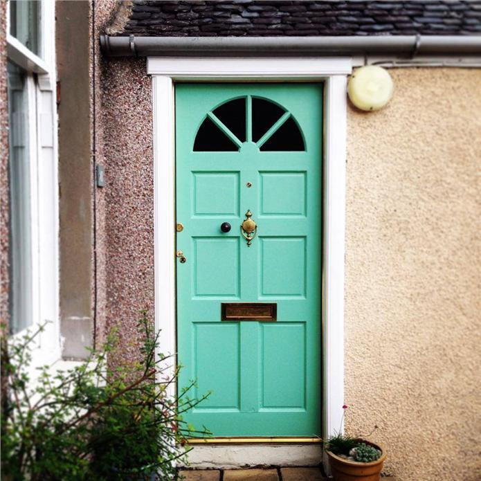 Front Door Inspiration: Bookmark Your Life With Colour