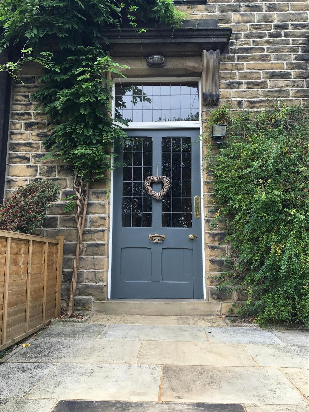 External Paint For Doors And Gates