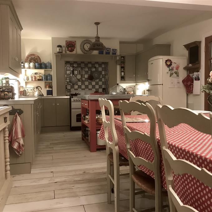 Timeless Kitchen With Old White Farrow And Ball On The: French Gray